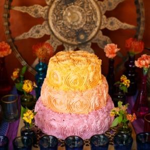 Bajacu Bohemian watercolor wash rosette cake