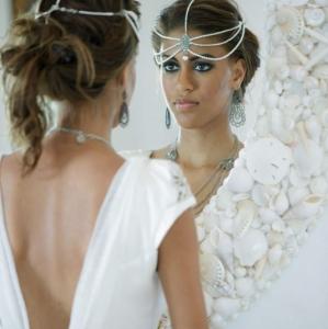 Bajacu Bohemian bride in shell mirror