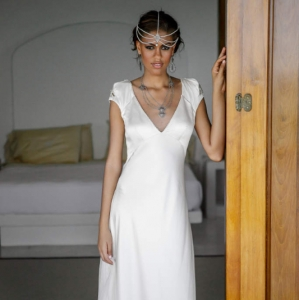 Bajacu Bohemian bridal satin gown look