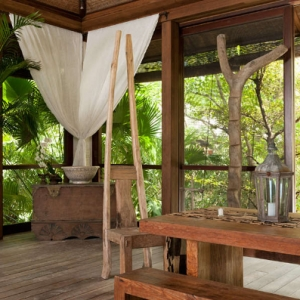 Donna Karan Sanctuary Parrot Cay