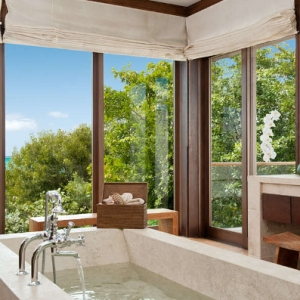 Donna Karan Sanctuary Parrot Cay Bath