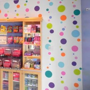 Giggles Ice Cream Parlor polka-dot Murals