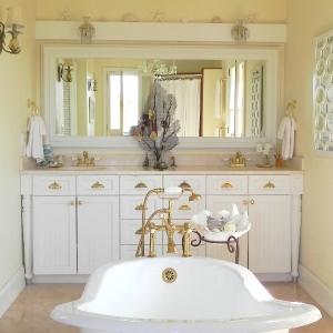 master-bath Fleur De Lys Villa