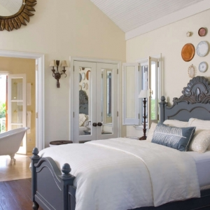 master-bedroom Fleur De Lys Villa