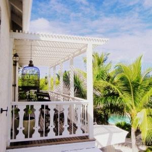 upper-balcony 2 Fleur De Lys Villa