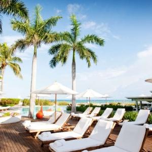 Regent Palms Pool Lounge