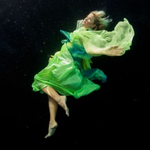 david-gallardo-underwater-fashion-5