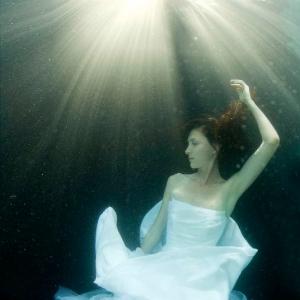 david-gallardo-underwater-fashion-6