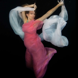 david-gallardo-underwater-maternity