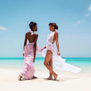Discover 2013 Fashio Turks and Caicos Tropical Imaging couture look