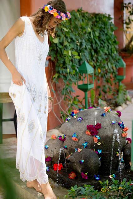 Bajacu Bohemian Bride with floral crown at footbath